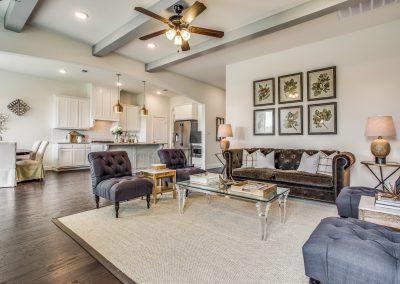10-100-parkview-dr-living room