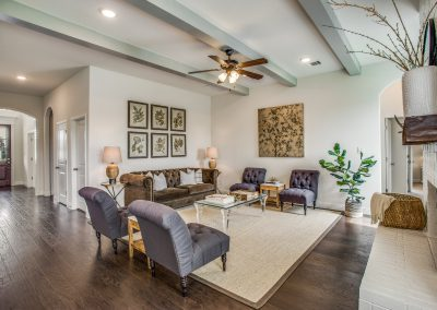 12-100-parkview-dr-living room