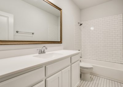 13-9820-chapparal-pass-fort-worth-tx-Secondary-Bath