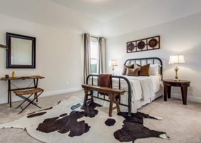 17-100-parkview-dr-guest-bedroom