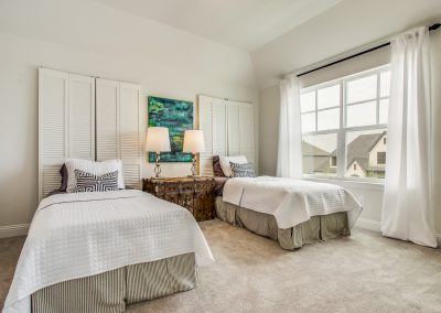 20-100-parkview-dr-twin-room