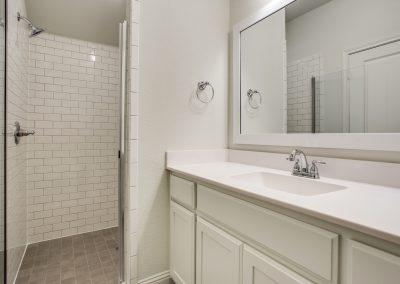14-9029-inwood-st-secondary-bath