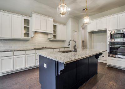 6-9029-inwood-st-kitchen