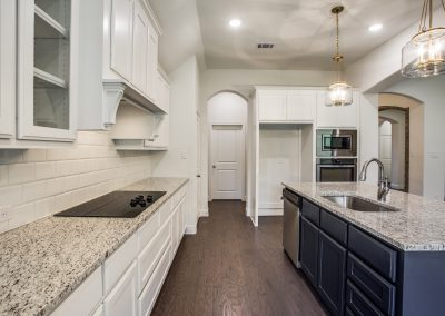 8-9029-inwood-st-kitchen