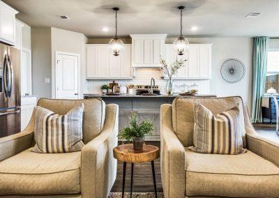 9-125-saddle-ridge-dr-Living-Kitchen